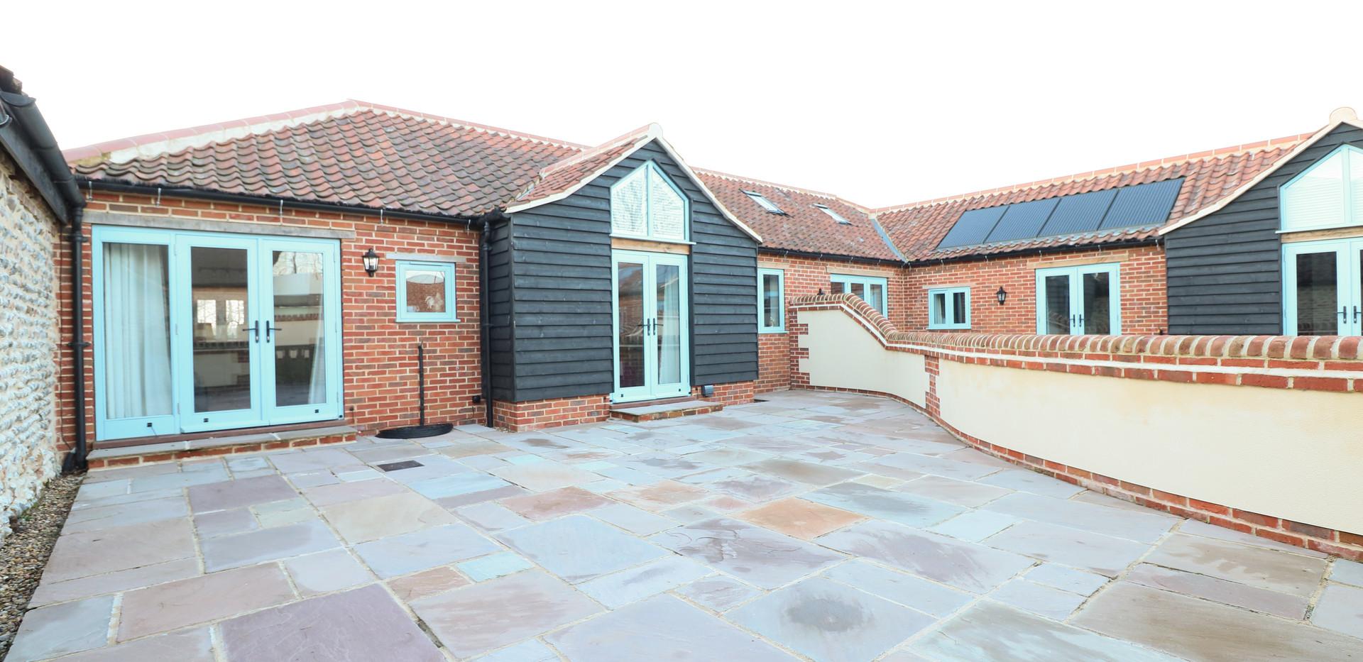 Courtyard - Oak Tree Cottages - Oak Tree Cottage
