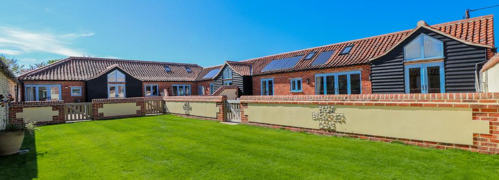 Communal garden - Oak Cottages - Oak Tree Cottage