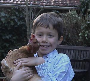 Tanguy et poule petit.png