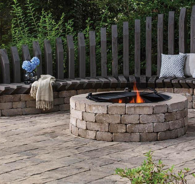 GMS_RES_BEL2015_Patio_Walls_Firepit_Mega