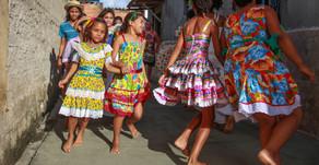 Festejos juninos animam crianças e adolescentes do Centro Social Madre Maria Rosa