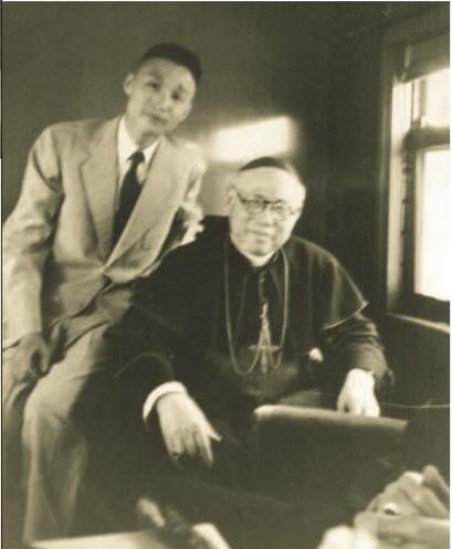 Tsu Hung com o Cardeal Tien após viagem a Roma.