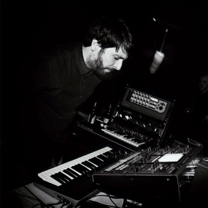 """Synth Alien Returns from Brief Hiatus, Releases """"Das Augas ó Alén"""" on Noise To Meet You"""