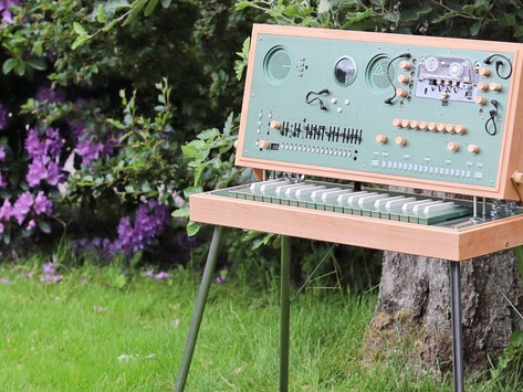 Love Hultén Introduces the EC-1: A Shamanic Lunch Box Synthesizer System