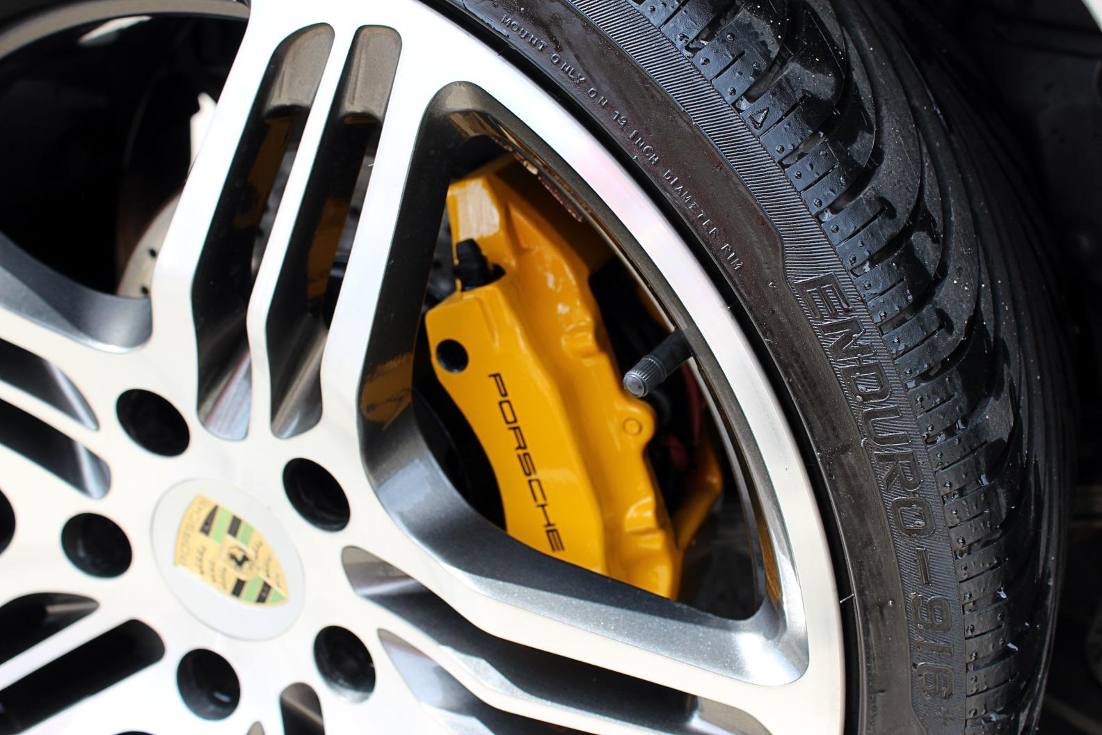 Porsche Yellow Caliper3.jpg