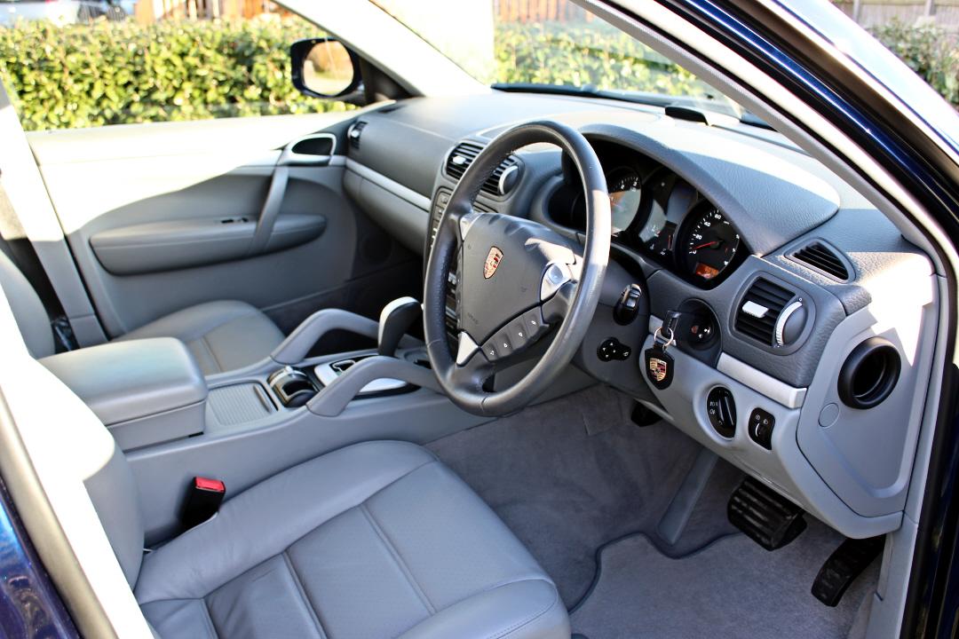 Porsche Cayenne10.jpg