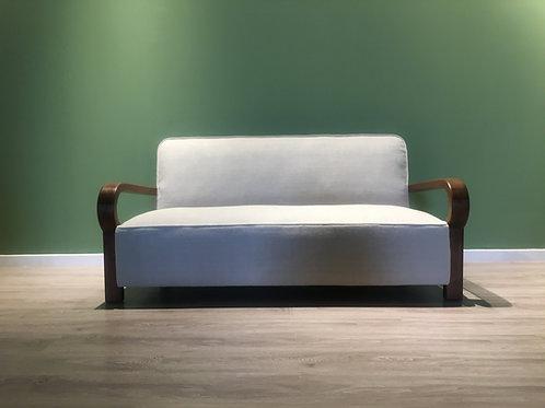 Vintage 30th Sofa restoration
