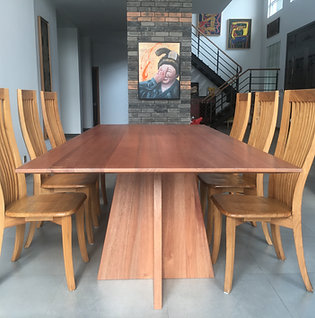 Willowbrook Dining Table
