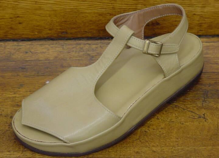 Custom-molded sandals