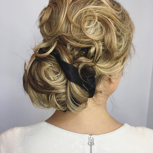 Updo style on _livsdresscode for Cafa Fa
