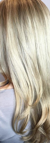 Natural blowout for this blondie😍 using