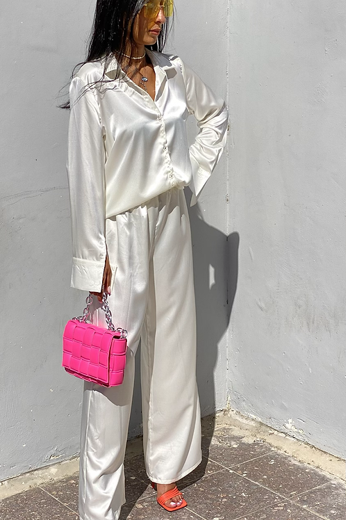 חליפת סאטן סיסי (שמנת)