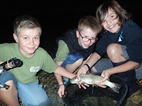 Les jeunes en camp-pêche