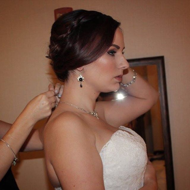 That bridal glow though 😍✨ Ladies, Brid