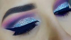 Fuchsia Glittered Cut Crease💕 _________________________________✨Eyes✨ __maccosmetics blush baby in
