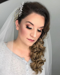 Love beautifying my brides 💍 Its such a honor being a part of such a special day ✨ #makeupbyvic #br