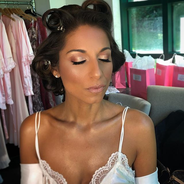 I love a fun glam for my brides! I love