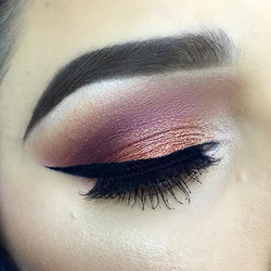 copper & burgundy ❤️ love these colors together- tap for details ✨_#makeupbyvic #browsfleekytoo #mot