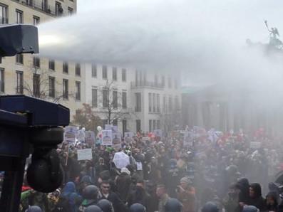Corona-Demo in Berlin, Wasserwerfer im Einsatz. Ein Bericht zum 18.11.2020