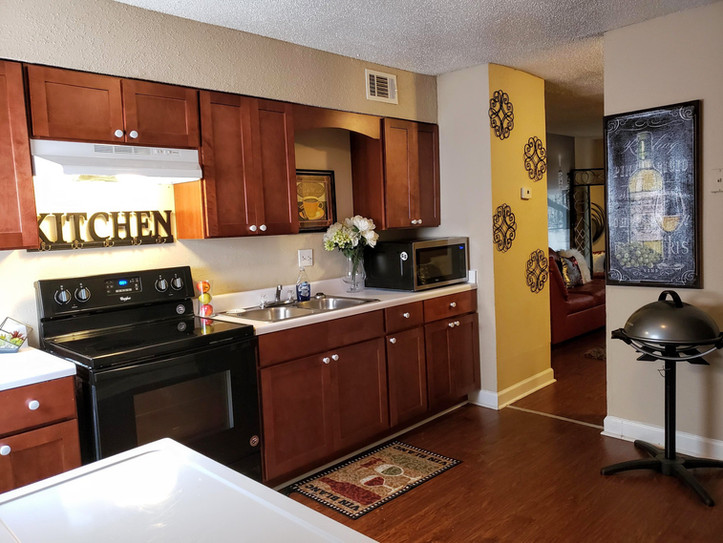 winbranch complex 2 bedroom kitchen.jpg