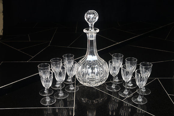 CRYSTAL DECANTER WITH LIQUEUR GLASSES (SET OF 12)