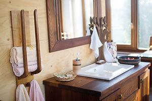 Мебель для ванной из термодерева. Мебель из Сербии