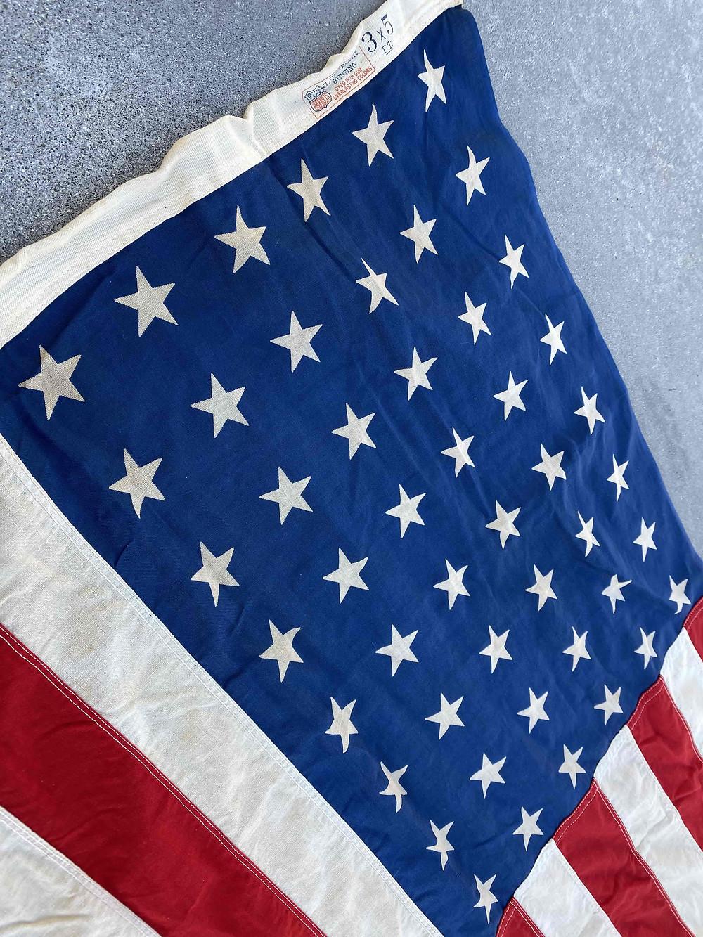 48つの星が60年以上前の旗であることを証明
