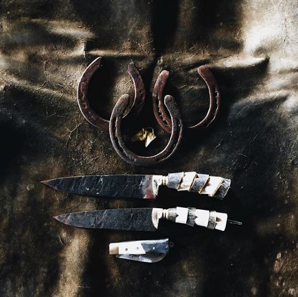 自然の素材を使用した味わいのあるヴィンテージナイフ