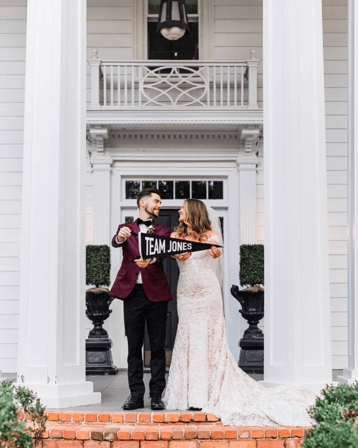 結婚の記念で制作されたペナントはとても可愛らしいデザイン