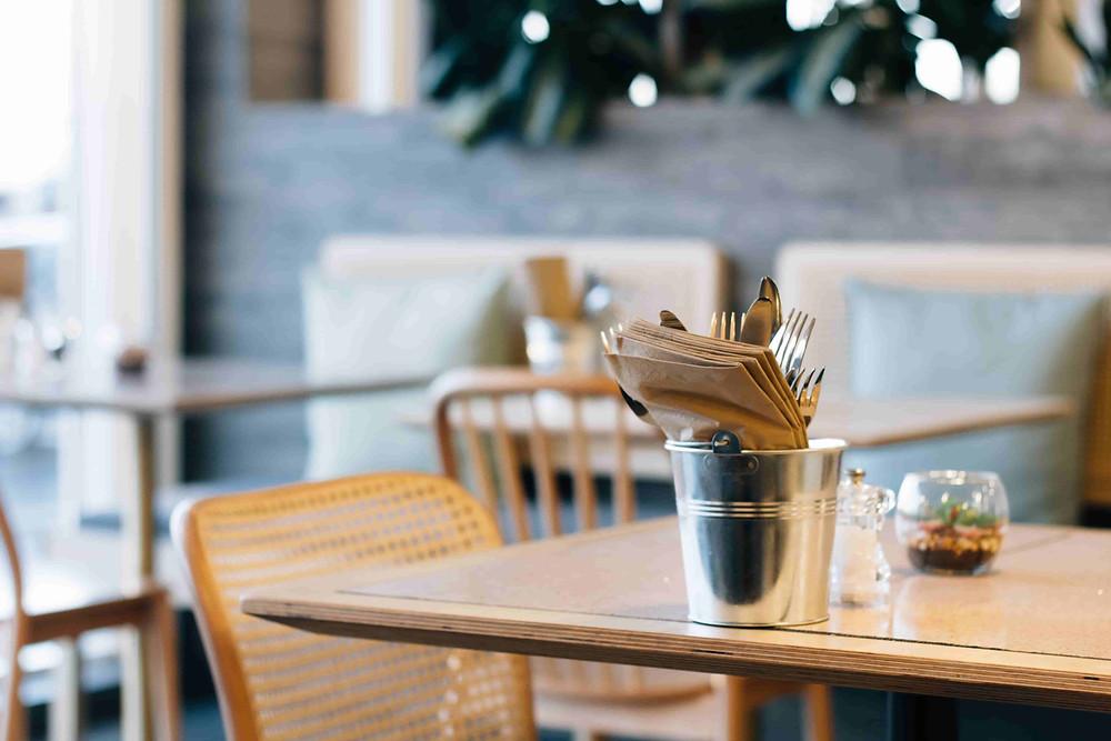いわきにあるおしゃれなカフェの店内画像