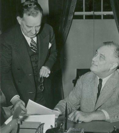 かのフランクリン・ルーズヴェルトもピンキーリングをしていた