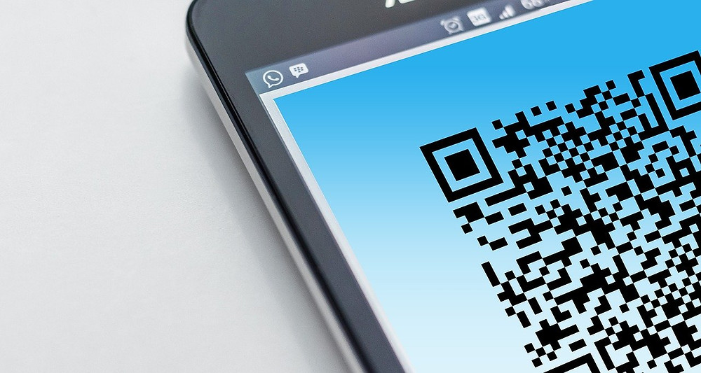モバイル(スマホ)でQRコードを読み込む画像
