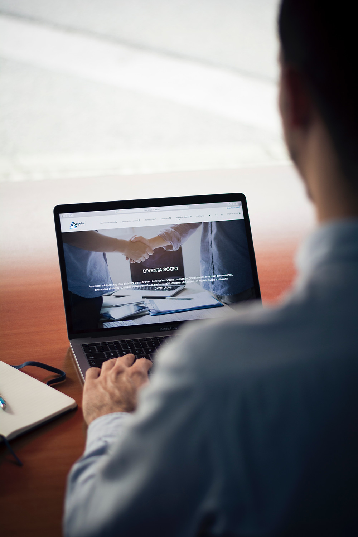 ホームページはネット上の営業マン