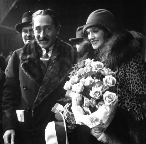 1928年のアドルフマンジュー