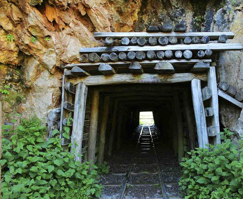 銀が取り尽くされた銀鉱山