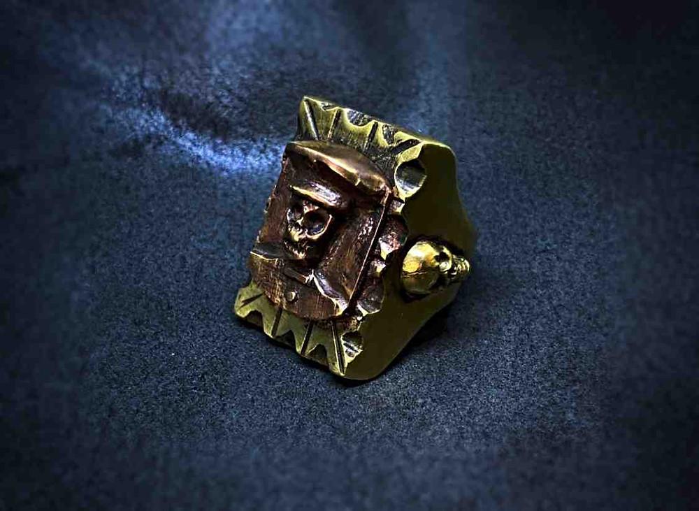 真鍮製のゴツいリング