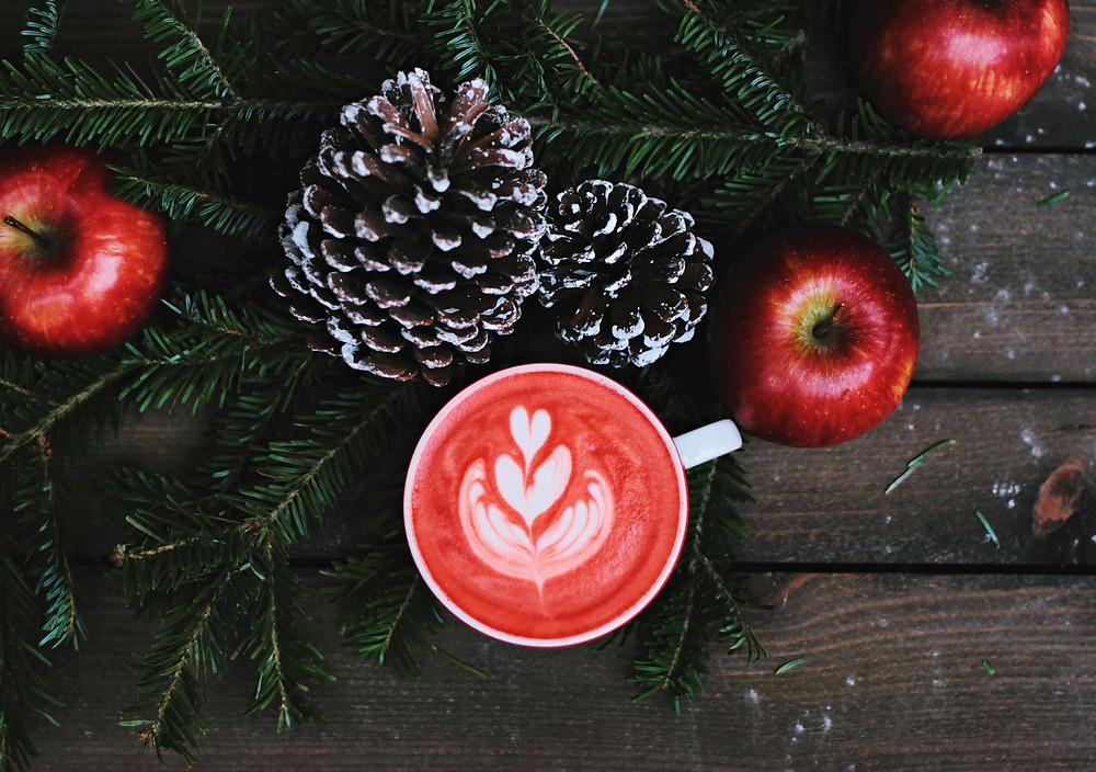 クリスマスを彩るリンゴ