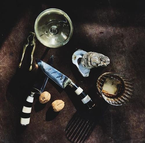動物の骨やツノを用いて作られるナイフ