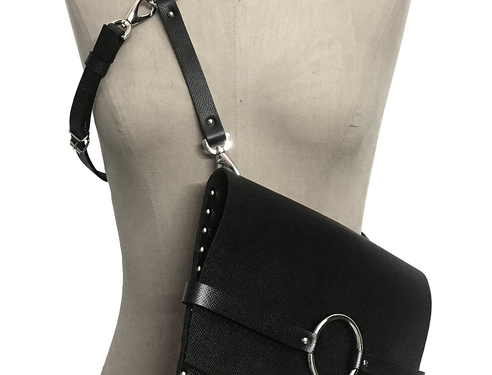 JOAN Harness clutch - Full leather strap