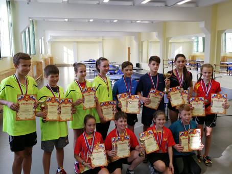Поздравляем юных теннисистов!
