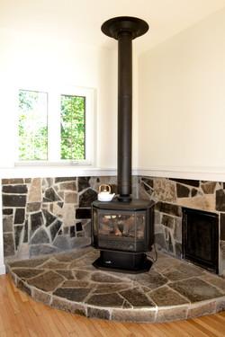 Propane gas fireplace
