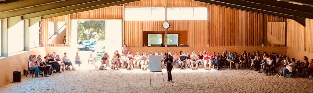 Unsere Reithalle während einem Seminar