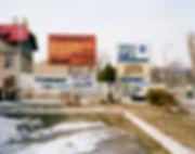 face musee auschwitz oswiecim pologne panneaux tourisme de masse