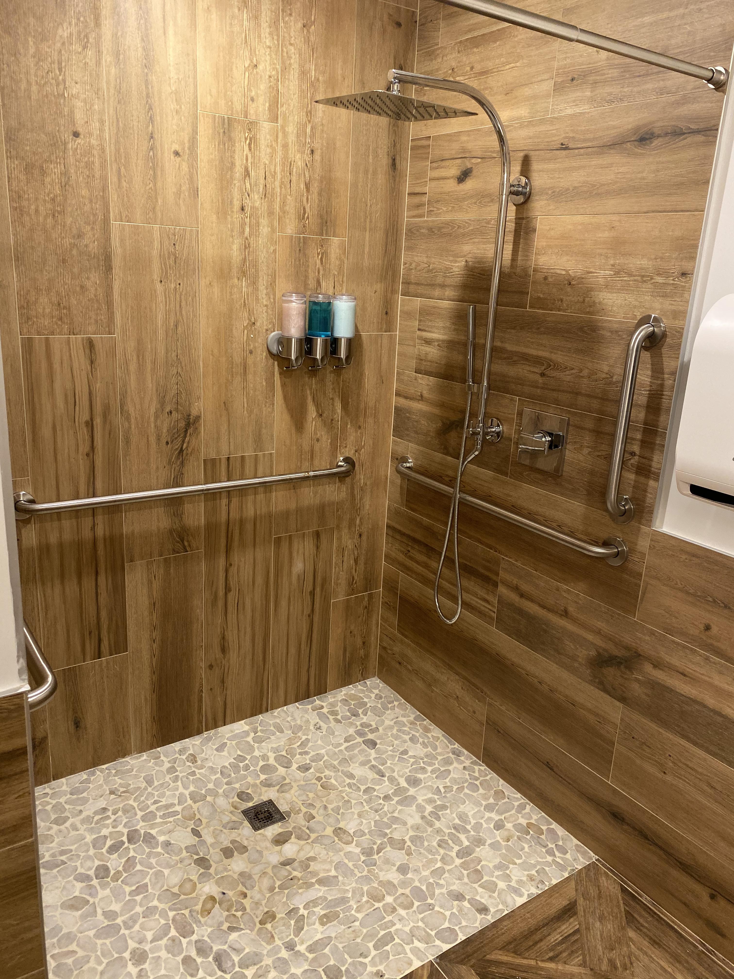 FitGuana Facilities Shower