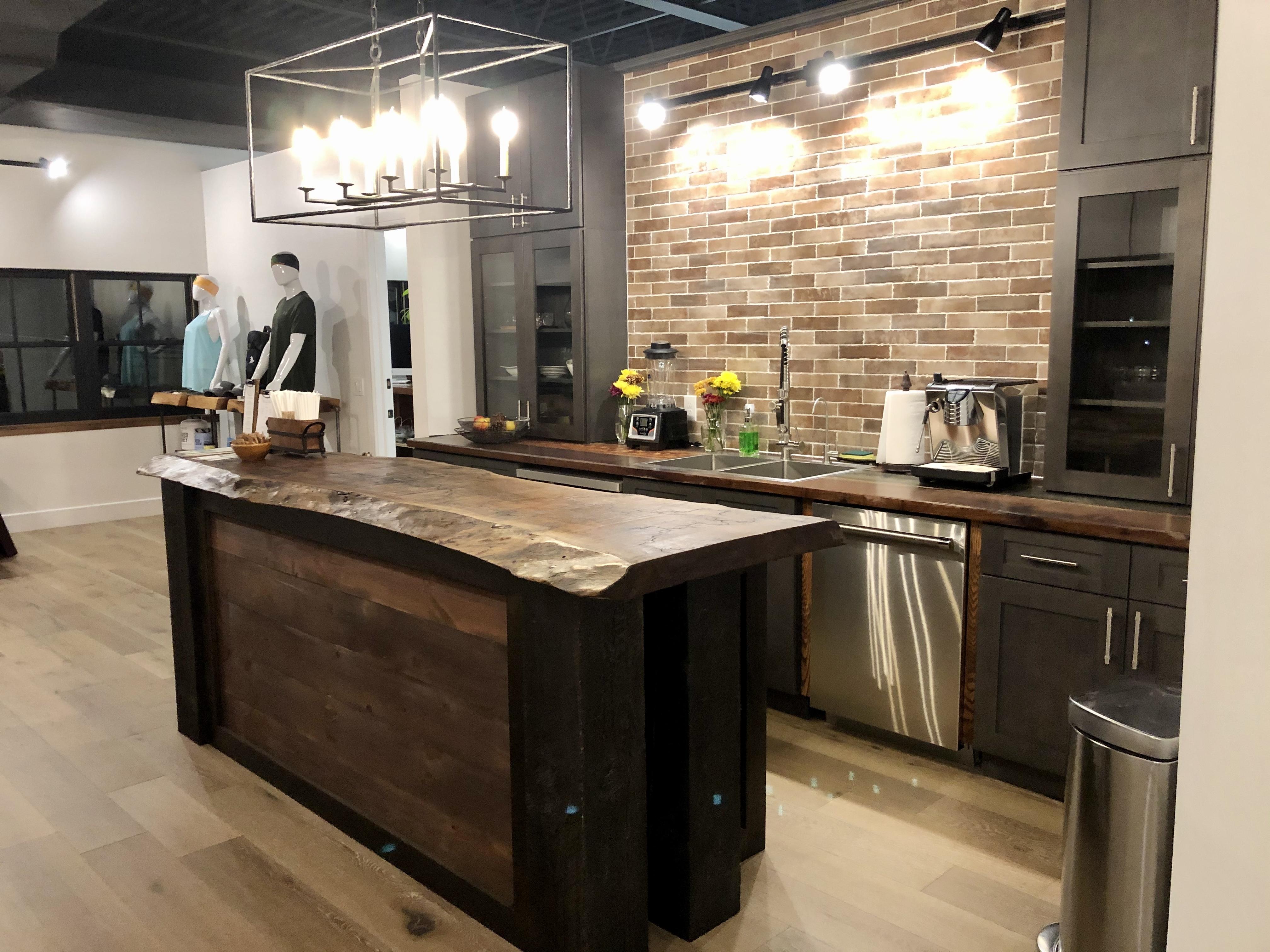 FitGuana Lounge Cafe Ridgefield