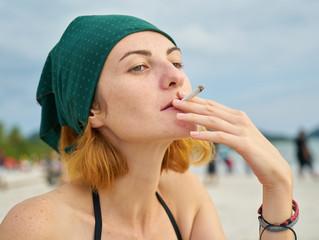 65% מבני הנוער: למרות החוק, קל להשיג סיגריות