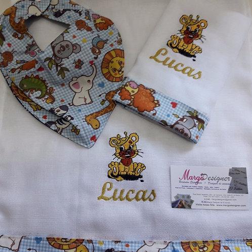 Fralda Bordada Kit com Babador Bandana Safari Leão