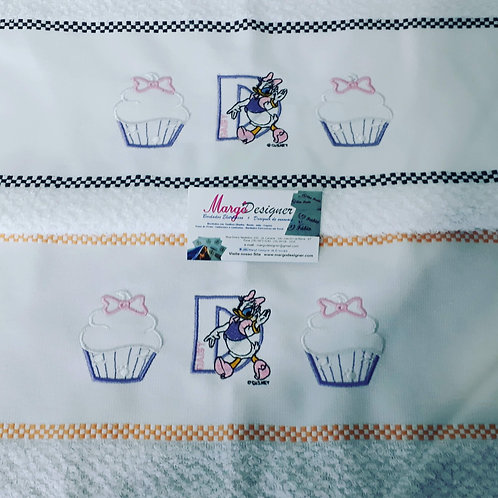 Combo 2 Panos de Prato Atoalhado Bordado Coleção Cupcake Margarida Daisy