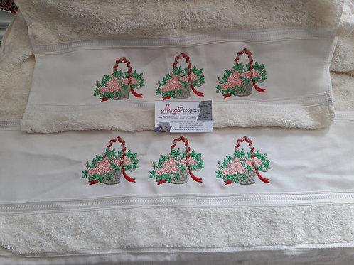 Toalha de Banho Bordada e Rosto Cesta de Flores
