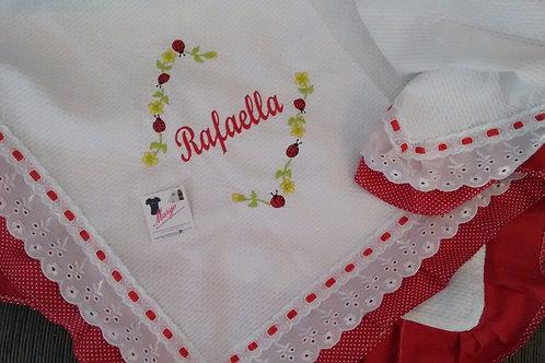Manta Piquet Bordada Joaninha